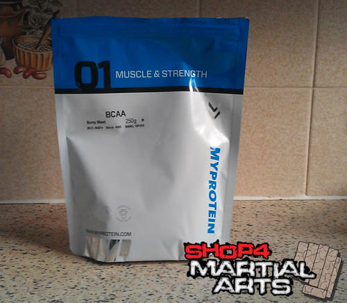 myprotein-bcaa-berry-blast-power